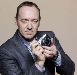 Spot reklamowy już na YouTube - Kevin Spacey i Olympus