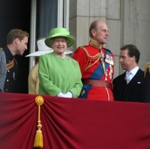 Brytyjska Rodzina Królewska walczy z paparazzi