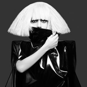 Lady Gaga uratuje firmę Polaroid? Piosenkarka dyrektorem kreatywnym