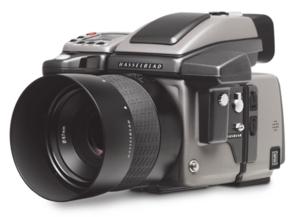 Hasselblad H4D-40 - średnioformatowa alternatywa dla profesjonalnych użytkowników lustrzanek 35 milimetrów