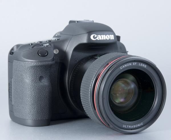 Canon EOS 7D z obiektywem EF 35/1.4 L