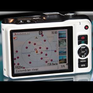 """Casio EX-10HG - kompakt z """"hybrydowym GPSem"""" wyceniony"""