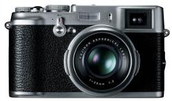 Fujifilm FinePix X100, czyli retro-kompakt z dużą matrycą i hybrydowym wizjerem