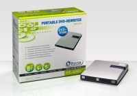 Plextor prezętuje pierwszą nagrywarkę DVD w wersji SLIM