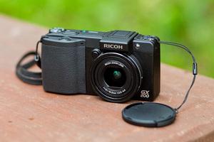 Ricoh Caplio GX200 - kompakt dla podróżnika