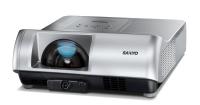 Nowe, szerokokątne projektory Sanyo