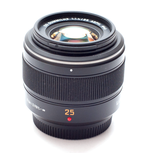 Panasonic Leica DG Summilux 25mm f1.4 ASPH
