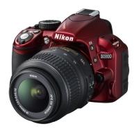 Nikon D3100 w czerwonej obudowie