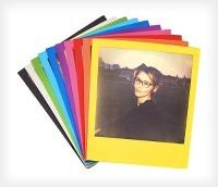 Polaroid: filmy błyskawiczne z kolorowymi ramkami