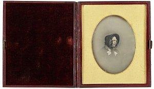 Fotografia przedstawiająca żonę Charlesa Dickensa sprzedana na aukcji