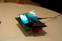 Na targach CES 2013 Samsung pokaże prototyp elastycznego, smartfonowego ekranu