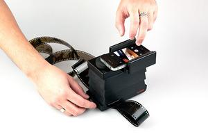 Lomography pokazuje współpracujący ze smartfonem skaner do filmów