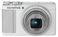 Niewielki Olympus Stylus XZ-10 z jasnością f/1.8
