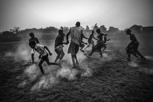 Zwycięzca World Press Photo - Daniel Rodrigues musiał sprzedać swój aparat, aby przeżyć
