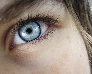 Photoshop: zmiana koloru oczu