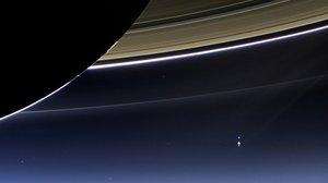 Zdjęcia Ziemi wykonane z perspektywy Saturna