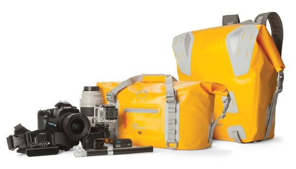 7a725edec7545 Dodatki takie jak wytrzymałe boczne klamry, ergonomiczne rączki i uchwyty  zamków dopełniają ergonomię DryZone.