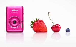 Nikon COOLPIX S02 - wyjątkowo mały kompakt