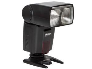 Nissin Di600 - recenzja lampy błyskowej