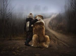 Nostalgiczne zdjęcia chłopców i ich zwierząt z rosyjskiego gospodarstwa