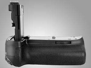 Nowe gripy marki Meike dla Canona EOS 70D i Nikona D5300 od Delty