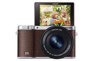 Samsung NX3000 - autoportret na mrugnięcie