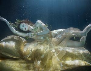 Mistrzyni podwodnej fotografii - Zena Holloway