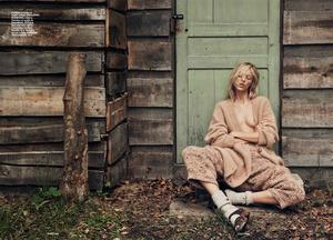 Lachlan Bailey sfotografował Anję Rubik – sesja modowa w Vouge pochwałą anoreksji?