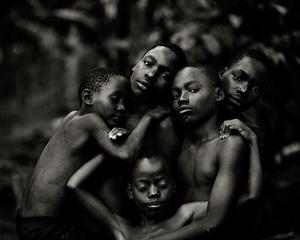 Niezwykła galeria fotografii portretowej -  Lens Culture Portrait Awards 2015