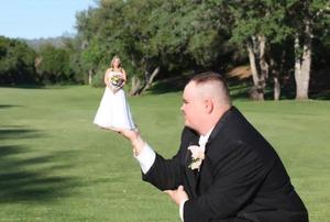 6 sposobów jak przetrwać wesele jako fotograf - jeśli nie fotografujesz: radzi  Casey Berner