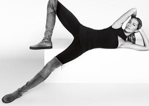 Mario Testino fotografuje buty - w roli modelki: Gisele Bundchen
