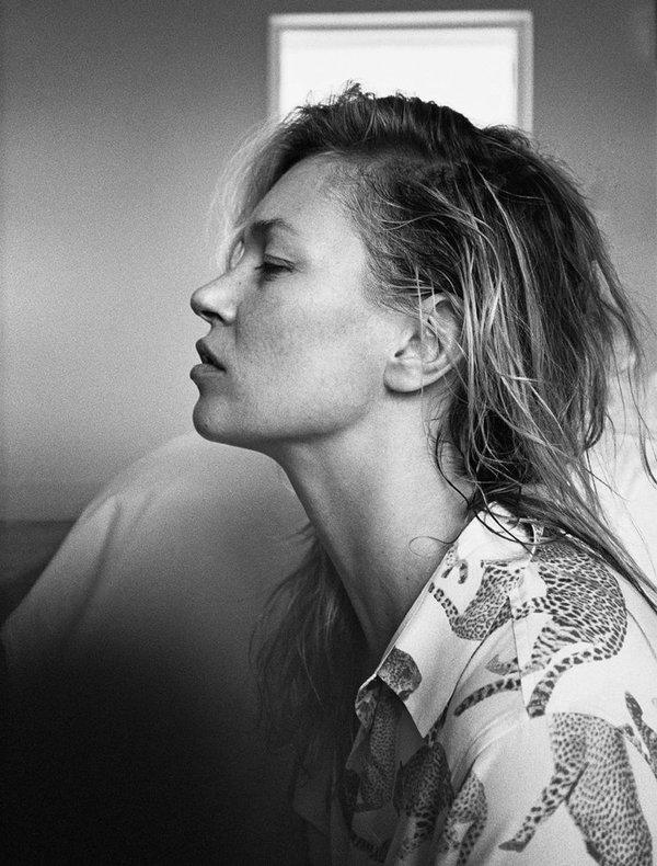 Modelka z aparatem: Daria Werbowy razem z Kate Moss w nowej sesji