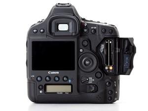 Canon ostrzega przed stosowaniem kart SanDisk CFast z lustrzankami Canon EOS-1D X Mark II