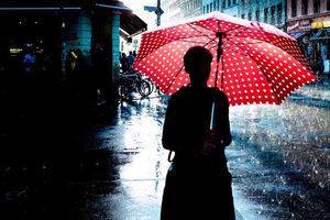 Fotografia uliczna w deszczu - 3 lekcje, które odrobił Martin U Waltz