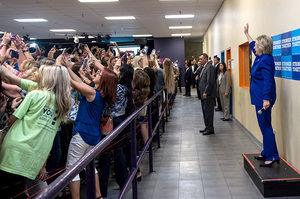 Generacja selfie -  kuriozalne zdjęcie Hillary Clinton