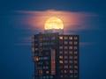 Superksiężyc w obiektywie fotografów z Europy