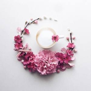 Kwiaty i kawa - martwa natura nie musi być nudna