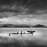 Intrygujące minimalistyczne krajobrazy greckiego fotografa