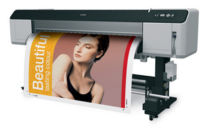 Epson wprowadza do oferty wielkoformatową drukarkę