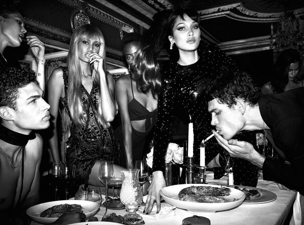 Mert Alas i Marcus Piggott Vogue Italia The Celebration Issue zdjęcia temat numeru fotografie erotyka