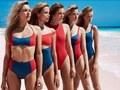 W świecie mody trwa już lato. Stroje kąpielowe sfotografował Bjorn Iooss