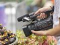 Sony HXR-NX200 - kompaktowy kamkorder NXCAM,  rejestrujący wspaniały obraz 4K o naturalnej kolorystyce