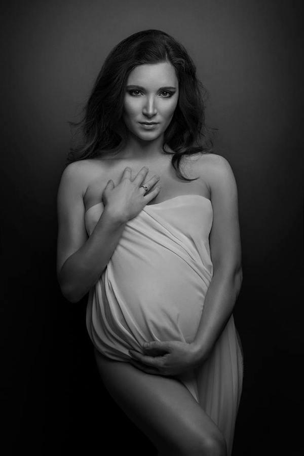 sesje ciążowe studio fotograficzne