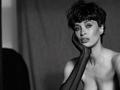 Bryce Thompson tworzy subtelne portrety modelek z lat 90.