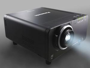 Panasonic podnosi poprzeczkę: projektory DLP dla biznesu Panasonic PT-D12000 oraz PT-DZ12000.
