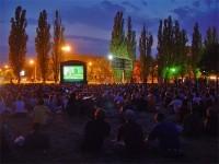 Największy festiwal kin plenerowych znowu w warszawskich parkach