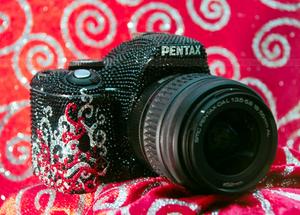 Kryształy z aparatem - limitowana edycja Pentax K-m