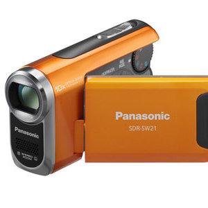 70-krotny zoom optyczny, dysk twardy, wodoodporność... Nowe kamery Panasonic